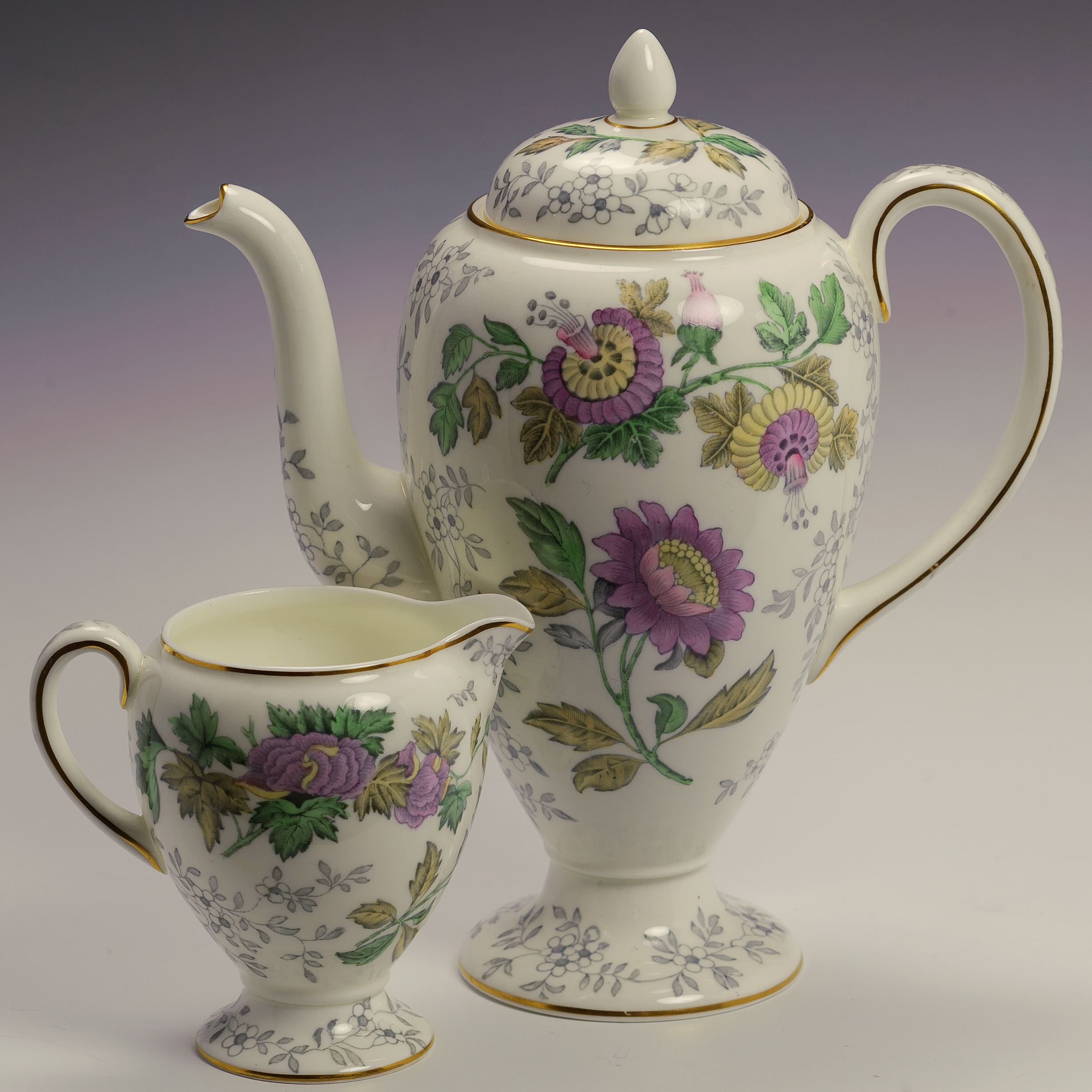 Wedgwood Avon W3983 Lilac Passion Flowers 41 Piece Dinner Tea 6 Six Made Engl